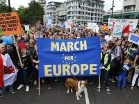 Briti protestujú proti výsledkom brexitu