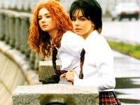 Lena Katina a Julia Volkova sa preslávili ako spevácke duo t.A.T.u.