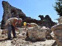 Práce na Vinianskom hrade