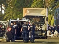 Teroristický útok na nevinných ľudí si vyžiadal 84 obetí