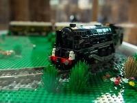 LEGO® model prvého transkontinentálneho vlaku Orient Express. Model je postavený z 3 500 kusov kociek.