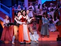 Tatiana Paľovčíková ako Annina v novom naštudovaní operety Johanna Straussa ml. Noc v Benátkach v Štátnom divadle Košice