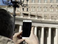 Pápež vyzval veriacich, aby častejšie konzultovali s Bibliou