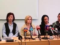 Matky Simony a Tamary tvrdia, že ich dcéry boli pod vplyvom drog.