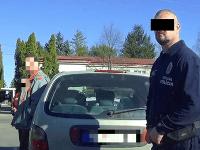 Muža zastavila polícia v Tekovských Lužanoch