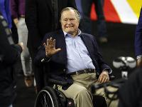 Na archívnej snímke z 2. apríla 2016 je bývalý americký prezident George H. W. Bush.