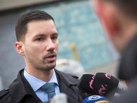 SNS postavila vlastného kandidáta, je ním Lukáš Parízek.