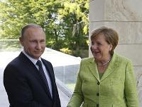 Vladimir Putin s Angelou Merkelovou