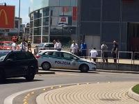 Falošný poplach v bratislavskom nákupnom centre  VIDEO Evakuácia ... 43f36e6594a