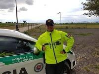 Jeden z policajtov, ktorí pomohli