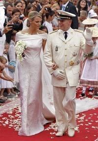 b2e5ebd524d9 Takto sa vyobliekali na kniežaciu svadbu  Češka Kurková bola tmavá a ...