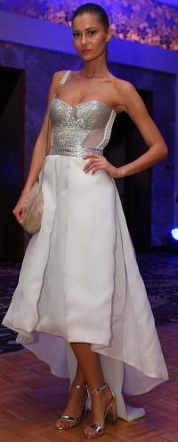 6f43f9ab7b Módne (s)hity z Miss Universe SR  Šaty ako z obrusu