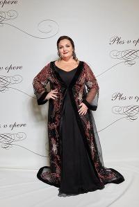 Kráľovná Plesu v opere: