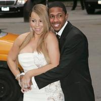 09d30fe79b64 Tučná Mariah Carey v bielom  Táto lacná nevesta by zostala na ocot ...