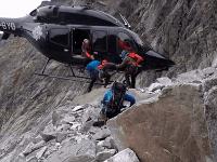 Pomoc horských záchranárov uviaznutým turistom