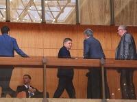 Robert Fico sa po niekoľkých dňoch ukázal na rokovaní