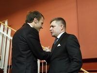 Robert Fico (vpravo) a francúzsky prezident Emmanuel Macron