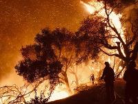 Ničivé požiare v Kalifornii