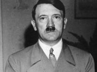 Konšpiračné teórie o úteku Hitlera a jeho fiktívnej smrti