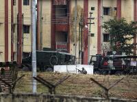 Boje na vojenskej základni v Kašmíre
