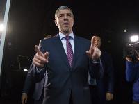 Béla Bugár prichádza do centrály strany po informovaní koaličných partnerov