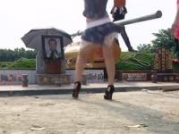 Striptérky tancujú na pohrebe
