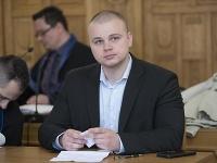 Na snímke poslanec NR SR Milan Mazurek na Špecializovanom trestnom súde (ŠTS) v Banskej Bystrici