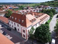 Pálffyovský kaštieľ vo Svätom Jure.