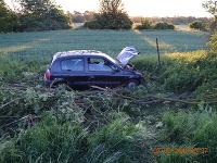 Rozmlátené auto po nehode