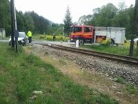 Pri Porúbke sa zrazil motorový vlak s osobným vozidlom
