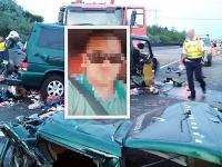 Deväť ľudí zomrelo pri zrážke nákladného auta a mikrobusu z Rumunska.