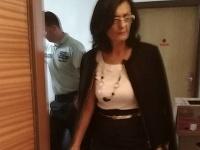 Súdna exekútorka Mária P. podľa viacerých svedectiev pácha trestný čin.