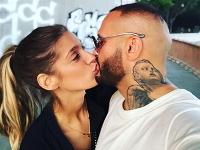 Rytmus a Jasmina Alagič tvoria šťastný pár, napriek tomu sa nájdu neprajníci.