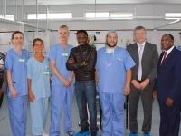 Tím ôsmich lekárov a zdravotných sestier zo slovensko-českej lekárskej misie pomáha v Keni.