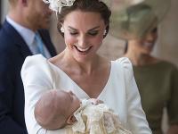 Vojvodkyňa Kate s princom Louisom.