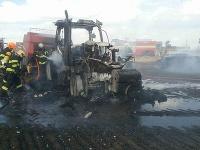 Požiar dodávky a traktora