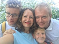 Miroslav Beblavý s deťmi a manželkou na dovolenke v Španielsku