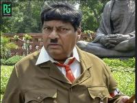Indický poslanec prišiel do parlamentu preoblečený za Hitlera