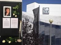 Dnes o 11-tej predpoludním odštartovala v novej budove Slovenského národného divadla posledná rozlúčka so zosnulým Stanom Dančiakom.