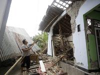Na Lomboku sa znovu triasla zem
