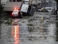 Predchádzajúci tajfún zanechal v Japonsku smršť.