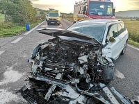 Hrozivá dopravná nehoda sa odohrala v skorých ranných hodinách.