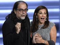 Glenn Weiss sa na odovzdávaní cien Emmy Awards postaral o poriadne šokujúci moment.