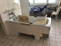 Kúpeľňa pre 80 imobilných seniorov v žilinskom Centre sociálnych služieb Letokruhy.
