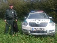 Policajný psovod so službným psom vypátrala nezvestnú ženu.