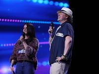 Heloisa tvorí spevácke duo s Dannym z Čiech