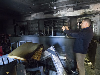 Ali Tulasoglu si fotí svoju reštauráciu po požiari.