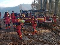 Hasiči pokračujú v likvidácii požiaru v Gaderskej doline