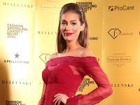 Na Fashion Sparkling Charity Night Jasmina Alagič dražila svoj obraz na dobročinné účely.