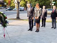 Slováci a Česi zasadili strom slobody a demokracie v Pittsburghu. Ceremoniálu sa zúčastnili aj slovenskí a českí veľvyslanci.